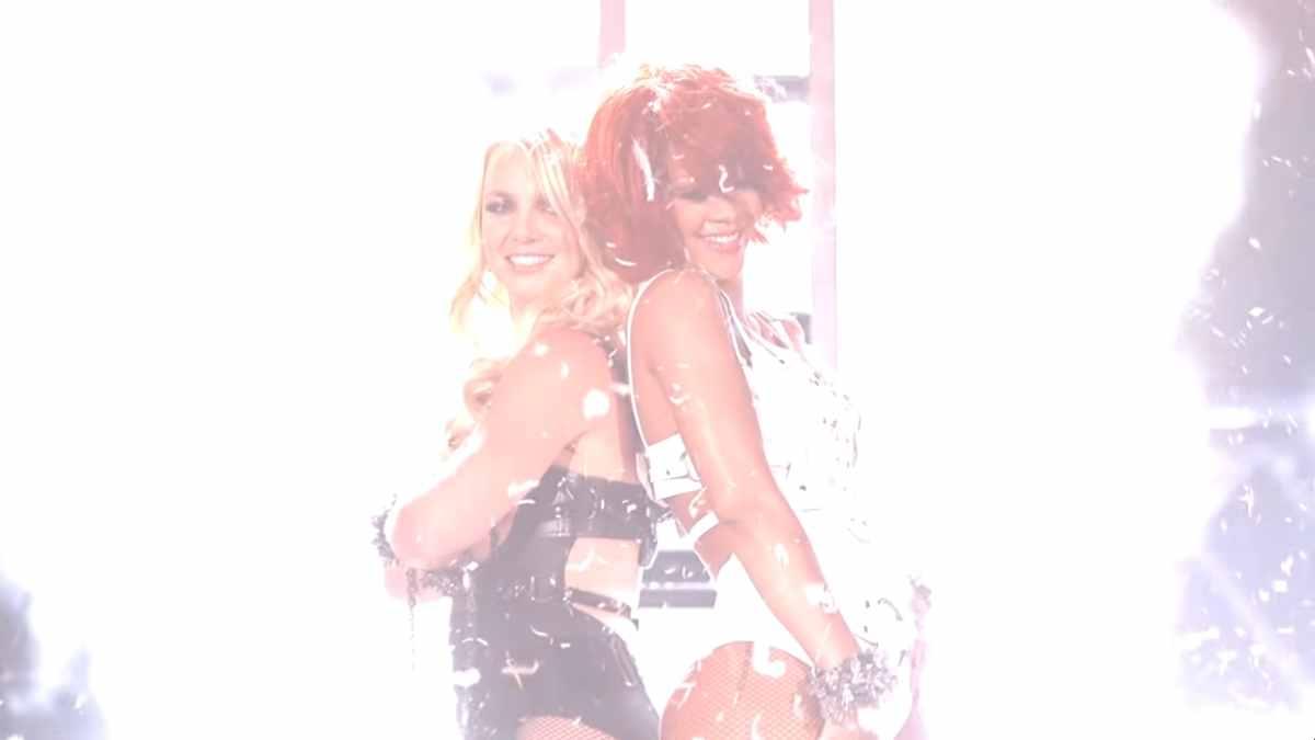 Sexy Auftritt von Rihanna und Britney Spears