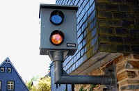 Wer künftig gegen Verkehrsregeln verstößt, muss nach neue Bußgeldregelungen, tiefer in die Tasche greifen.