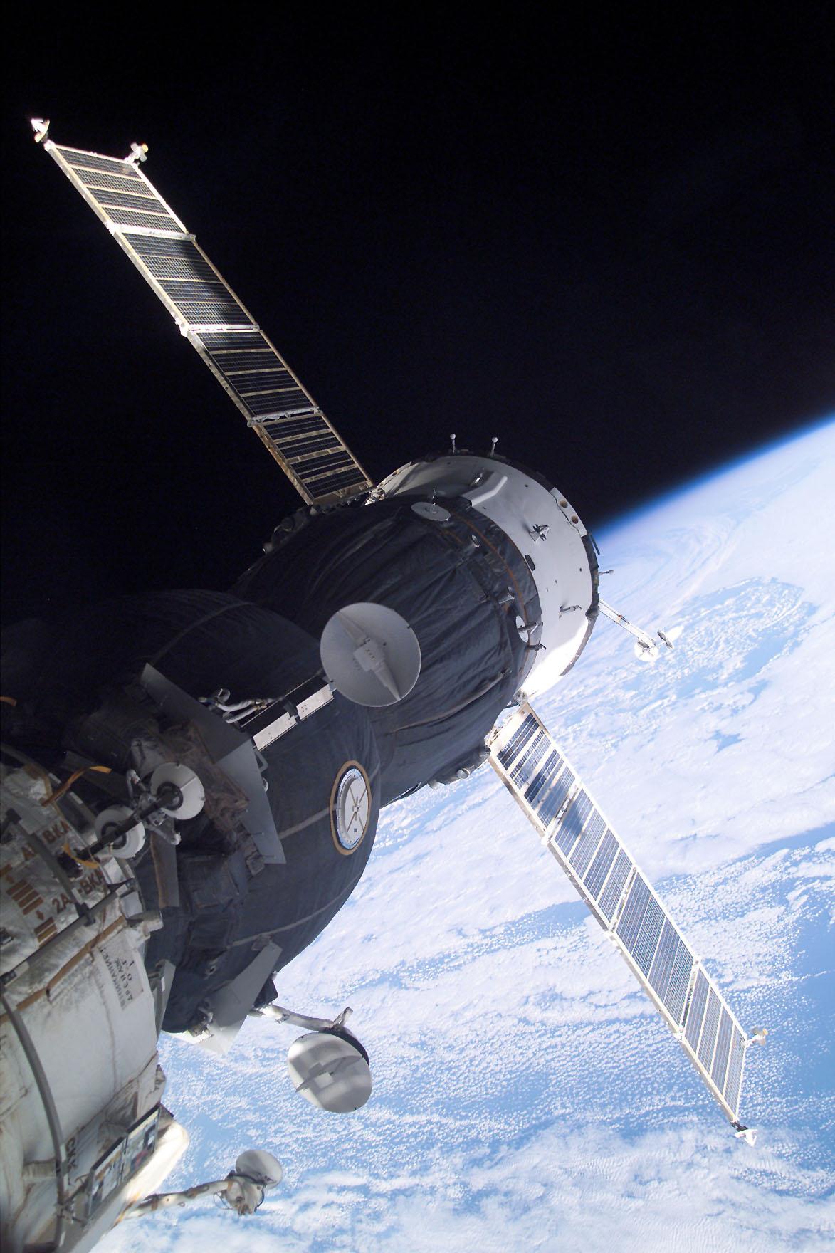 Ende November 2000 begann der erste langfristige Aufenthalt einer Crew auf der ISS, seitdem ist sie durchgehend bemannt. Foto: djd/National Geografic Channel/NASA