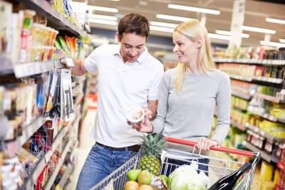 Frauen legen häufiger als Männer Wert darauf, dass Lebensmittel frei von unnötigen chemischen Zusätzen sind. Frauen studieren die Inhaltsangaben deutlich häufiger als Männer.