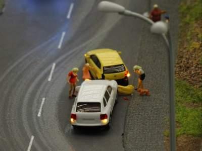 Junge Fahrer sind oft und häufig in Unfälle verwickelt