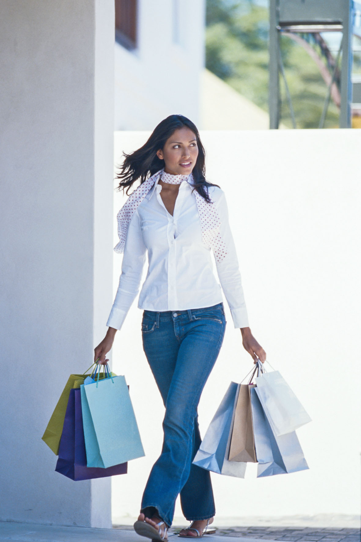Preiswert Shoppen macht den Deutschen Spaß. Vor allem für modische Bekleidung greifen sie regelmäßig in den Geldbeutel.