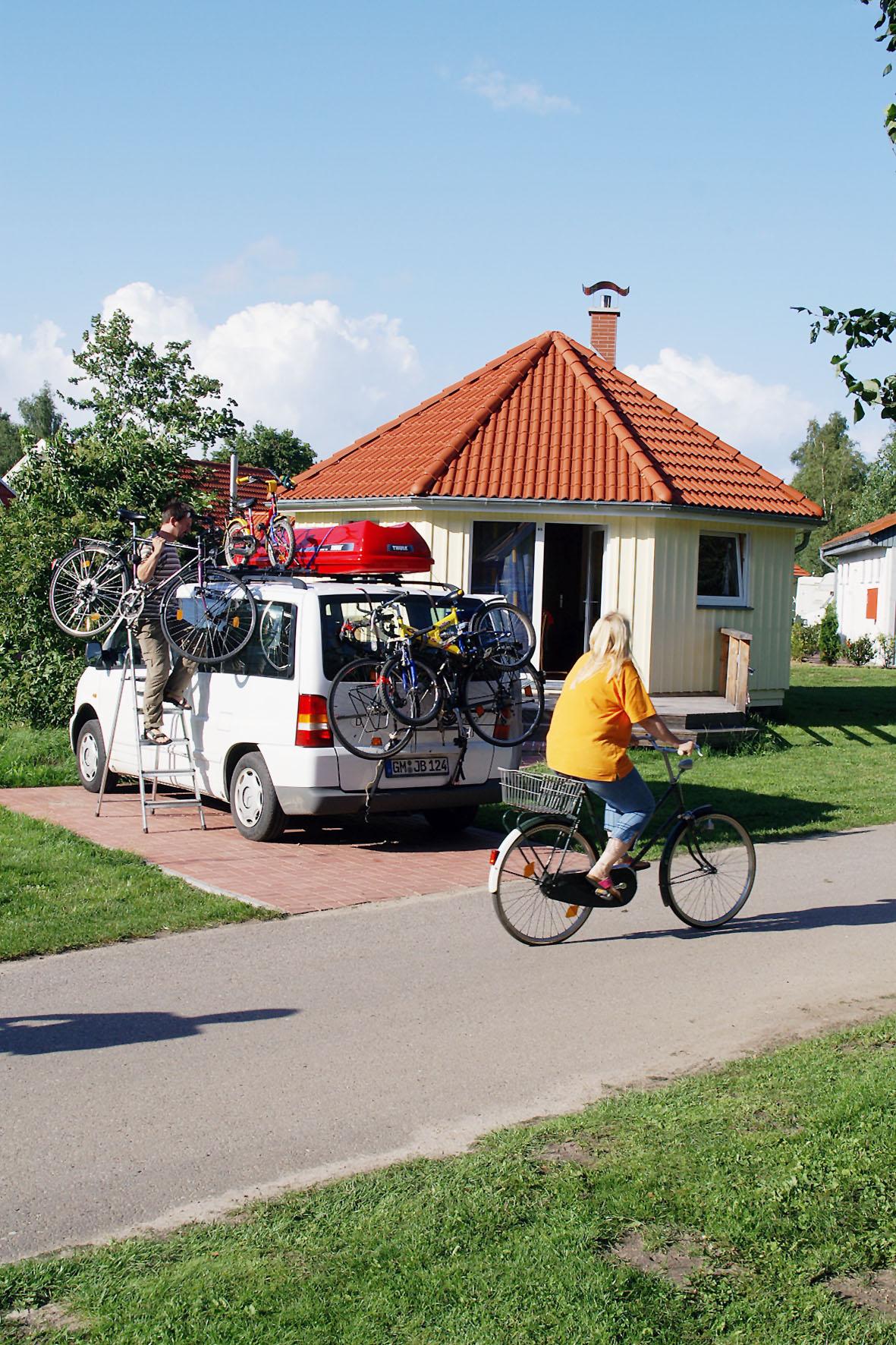 In der Nebensaison ist ein Tipi-Ferienhaus für vier Personen schon ab 50 Euro pro Nacht zu haben.