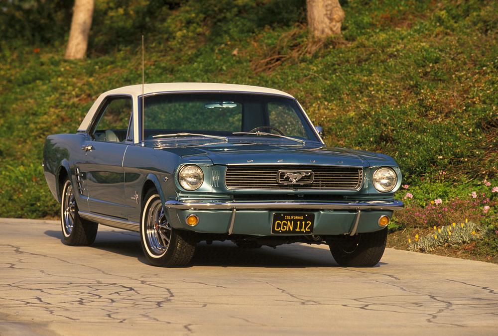 Sehr beliebt bei den Deutschen: der amerikanische Oldtimer Ford Mustang.