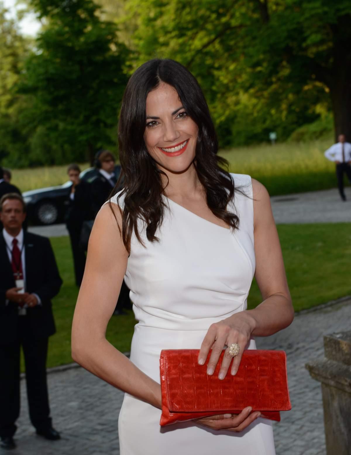 Die hübsche Schauspielerin Bettina Zimmermann ist stolz auf ihr erstes Kinderbuch