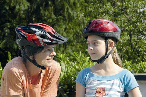 Die typischsten Fahrradunfälle -Unfälle mit Verletzungen sind Alleinunfälle mit Sturz auf die Seite oder über den Lenker.