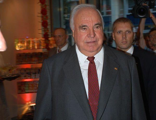 Altbundeskanzler Helmut Kohl im Jahr 2004 bei einer Veranstaltung zum 15. Jahrestag des Falls der Mauer.