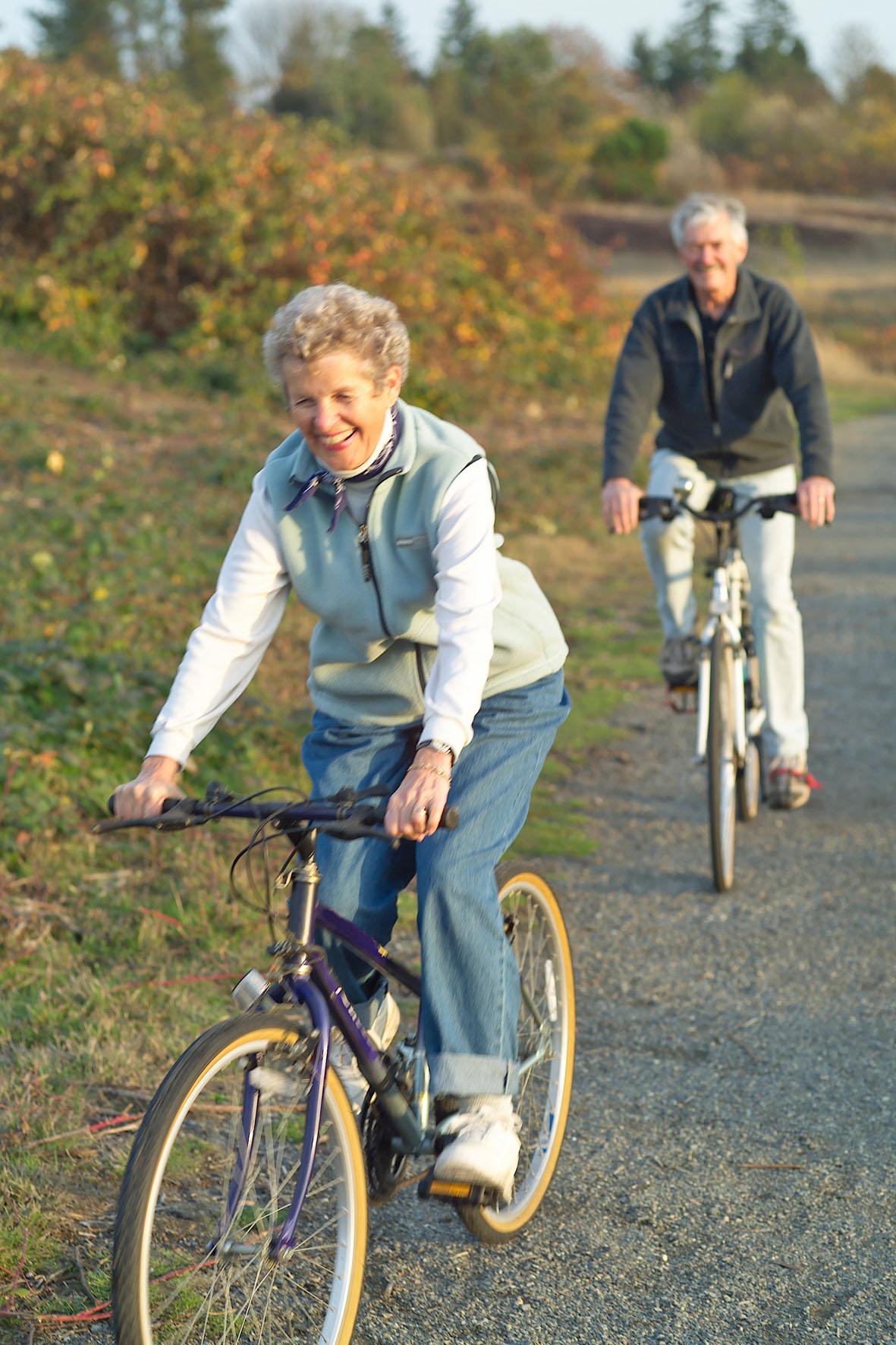 Radfahren gehört zu den gelenkschonenden Vereinssport arten