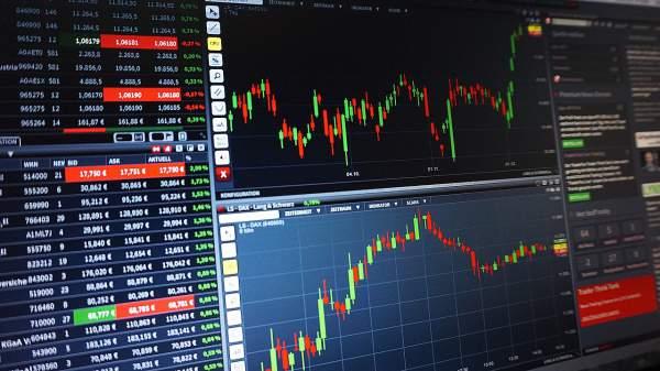 chart-Trades