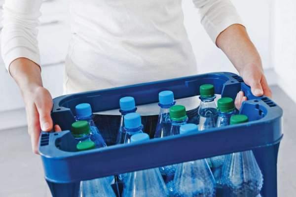 Sprudelwasser-Kistenschleppen