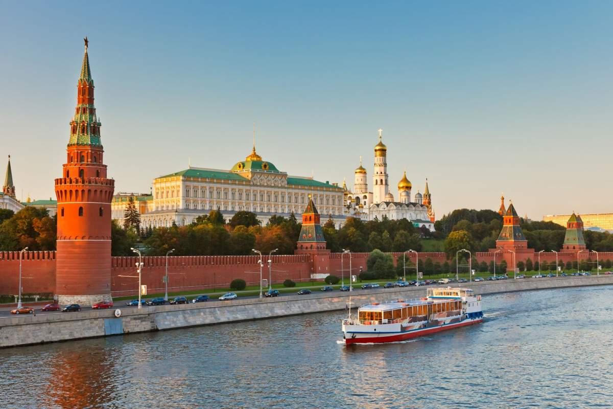 Russland - Der Moskauer Kreml ist seit dem 13. Jahrhundert das politische sowie das religiöse Zentrum Russlands.